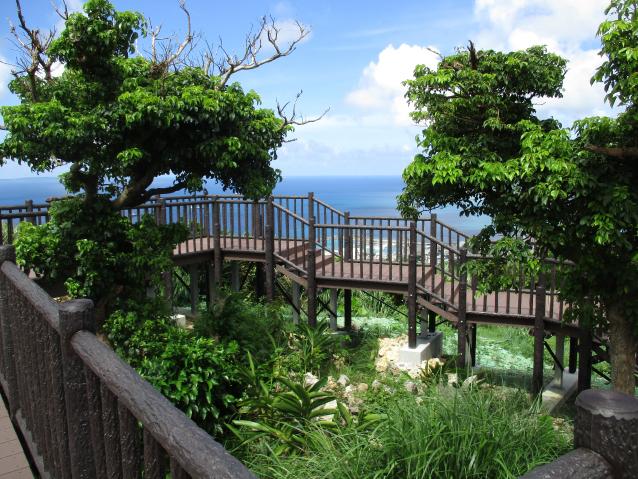 City park type sightseeing deck, promenade deck