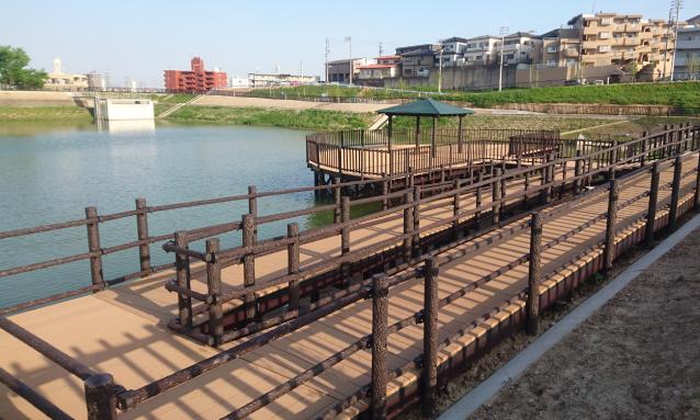 Waterside space type sightseeing deck, slope deck, stair deck